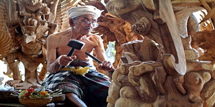 WOOD CARVING, SCULPTURE, UBUD, BALI, ART PEOPLE